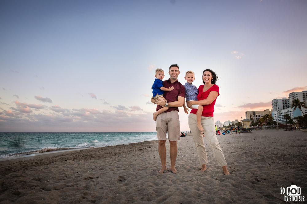 hollywood-beach-lifestyle-family-photography--4.jpg