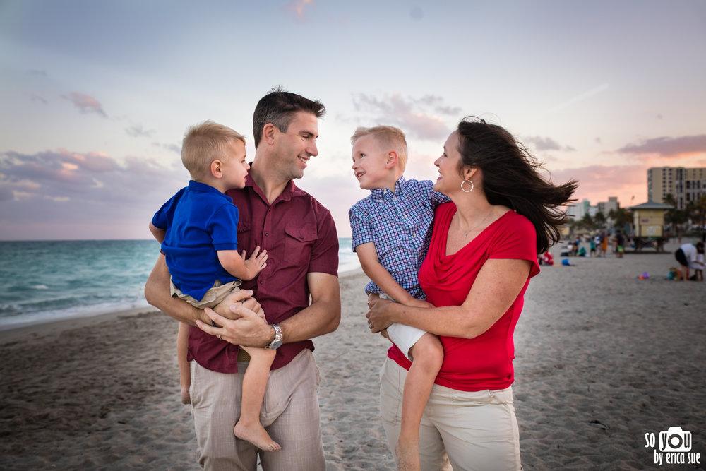 hollywood-beach-lifestyle-family-photography-0227.jpg