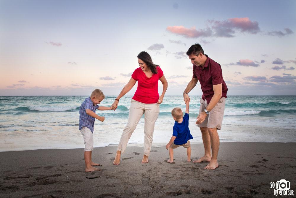 hollywood-beach-lifestyle-family-photography-0262.jpg