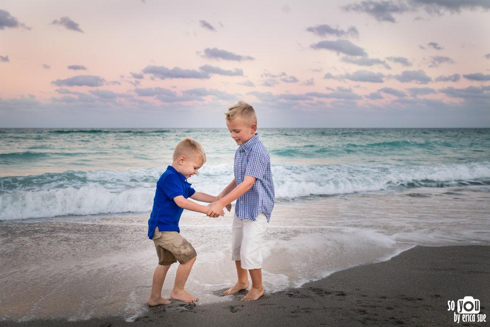hollywood-beach-lifestyle-family-photography-0313.jpg