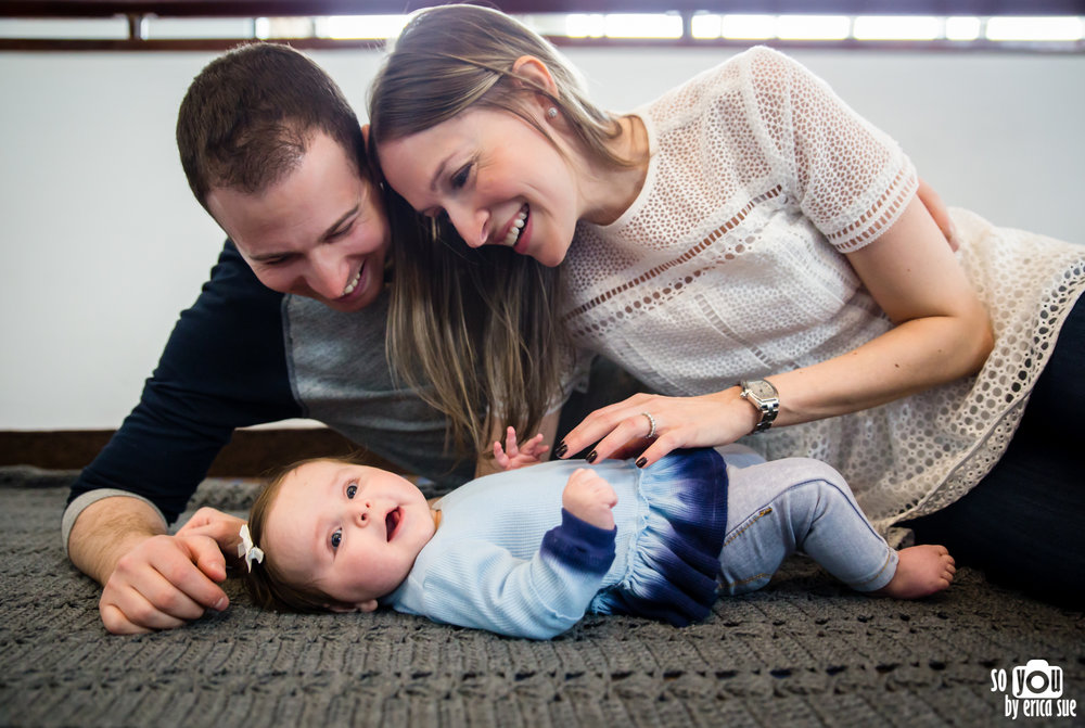 lifestyle-extended-family-newborn-photography-.jpg