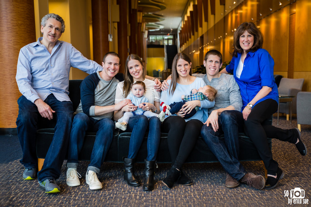 lifestyle-extended-family-newborn-photography--3.jpg