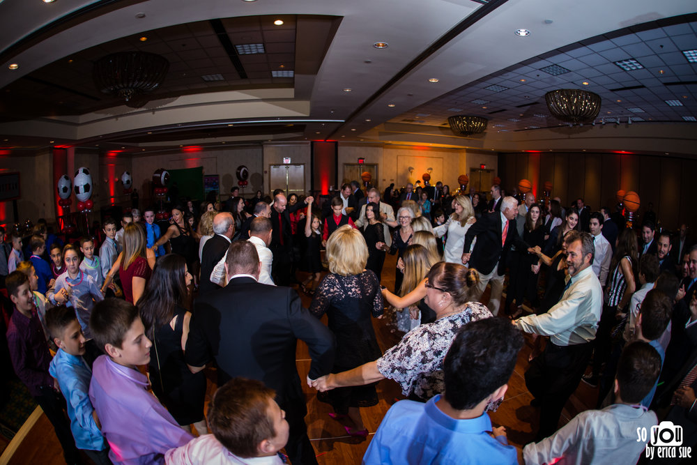 bar-mitzvah-photographer-parkland-fl-marriott-0097.jpg