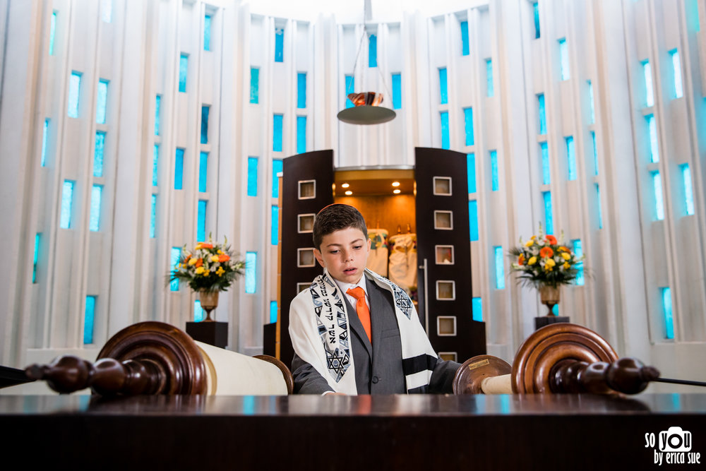 so-you-by-erica-sue-mitzvah-photographer-temple-judea-coral-gables-university-of-miami-hillel-1490.jpg