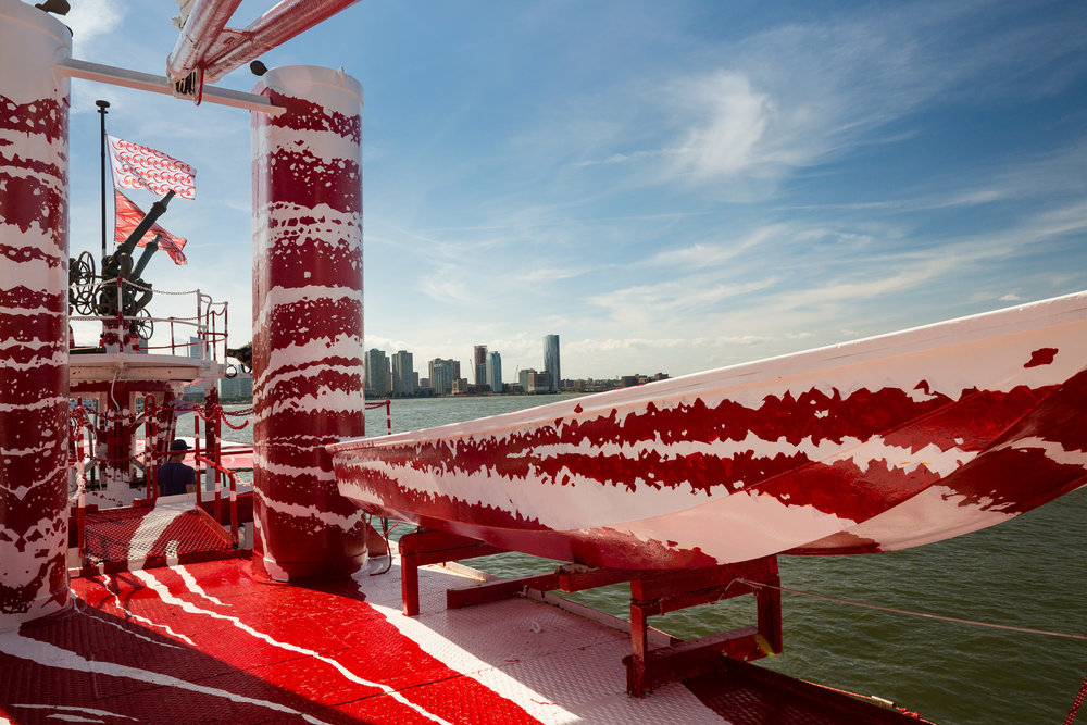 Tauba Auerbach,  Flow Separation,  2018. Commissioned by Public Art Fund and 14-18 NOW and presented on Fireboat John J. Harvey in New York Harbor July 1, 2018-May 12, 2019. Image courtesy Paula Cooper Gallery. Image by Nicholas Knight, courtesy Public Art Fund, NY.