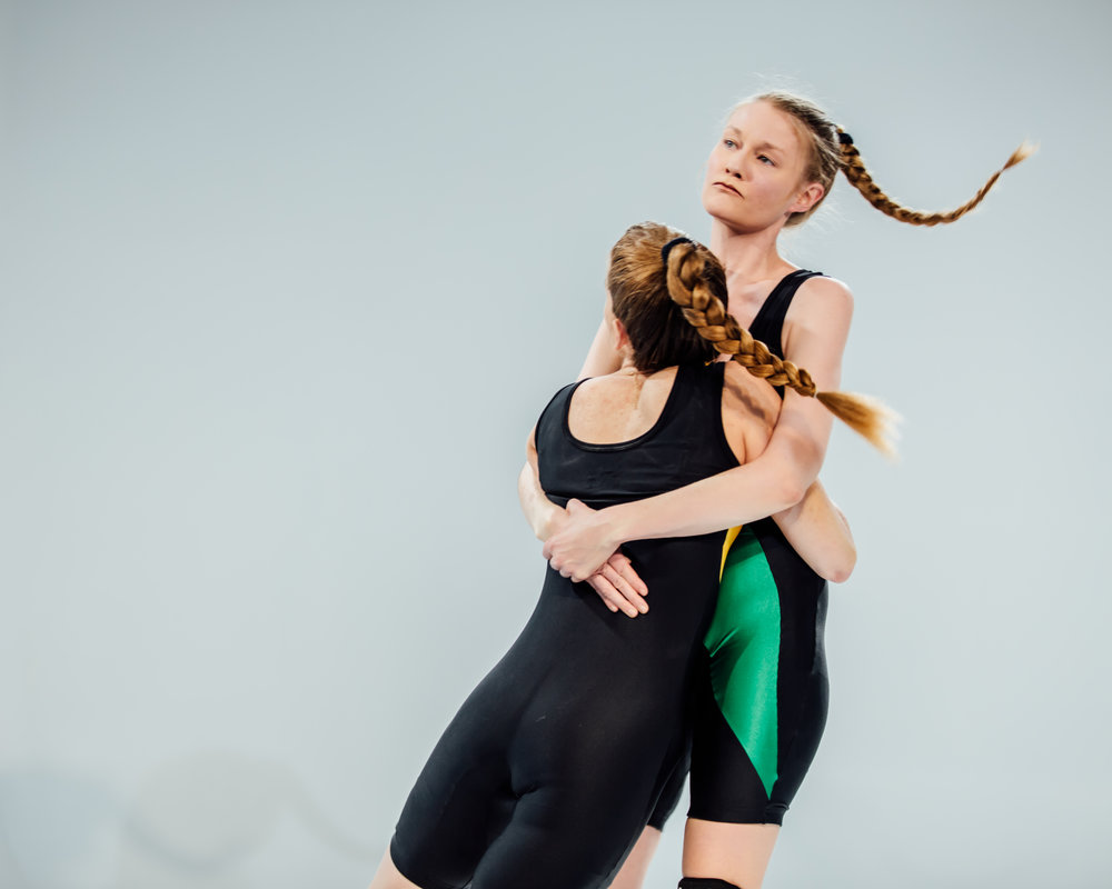Erin Markey,  SINGLET  (performance), 2018. Photo courtesy Sasha Arutyunova.