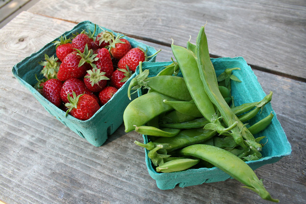 strawberries & sweet peas