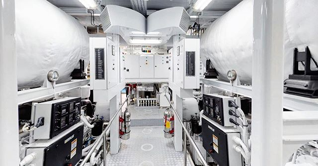 Caterpillar ✖️2 @catproducts Taking up some space in this Motor Yachts Engine Room captured by @captureri_ ✔️ #superyachts #catproducts #dieselengines #builtforit #captureri #capturingyachts @newportshipyard #enginerooms #engineeringlife