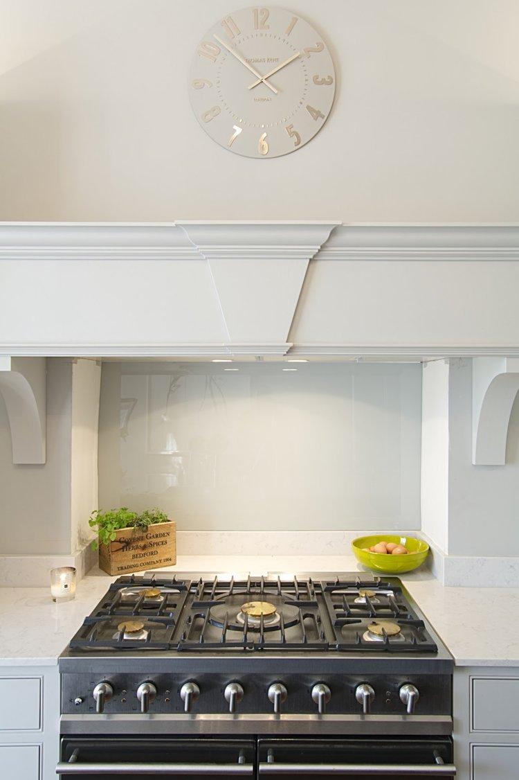 stovetop_canopy_bespoke_handmade_kitchen_cheltenham.jpg
