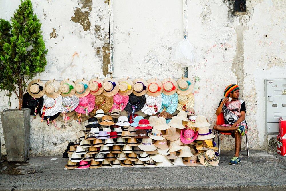 Street Vendor - Why Everyone Comes To Cartagena, Colombia To Get Cosmetic Dental Work (Dr. Julio Oliver)
