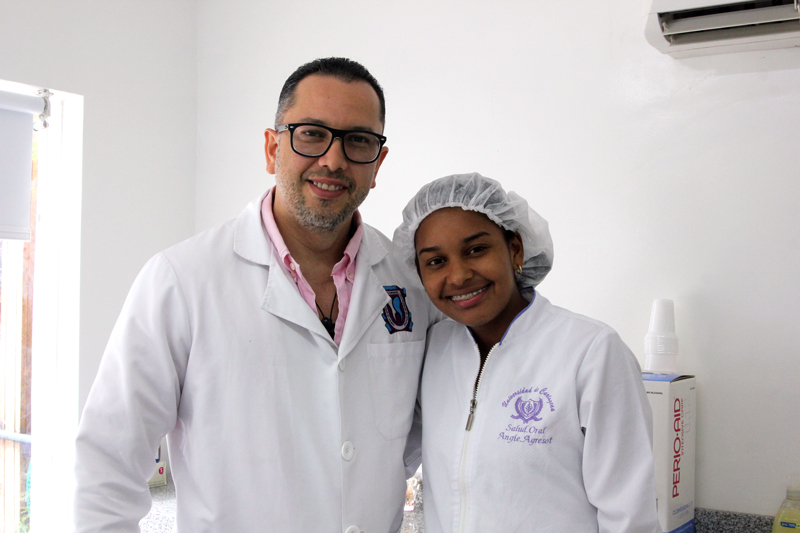 Dr. Julio Oliver (Cosmetic Dentist) and Angie - Dental Tourism Colombia Cartagena
