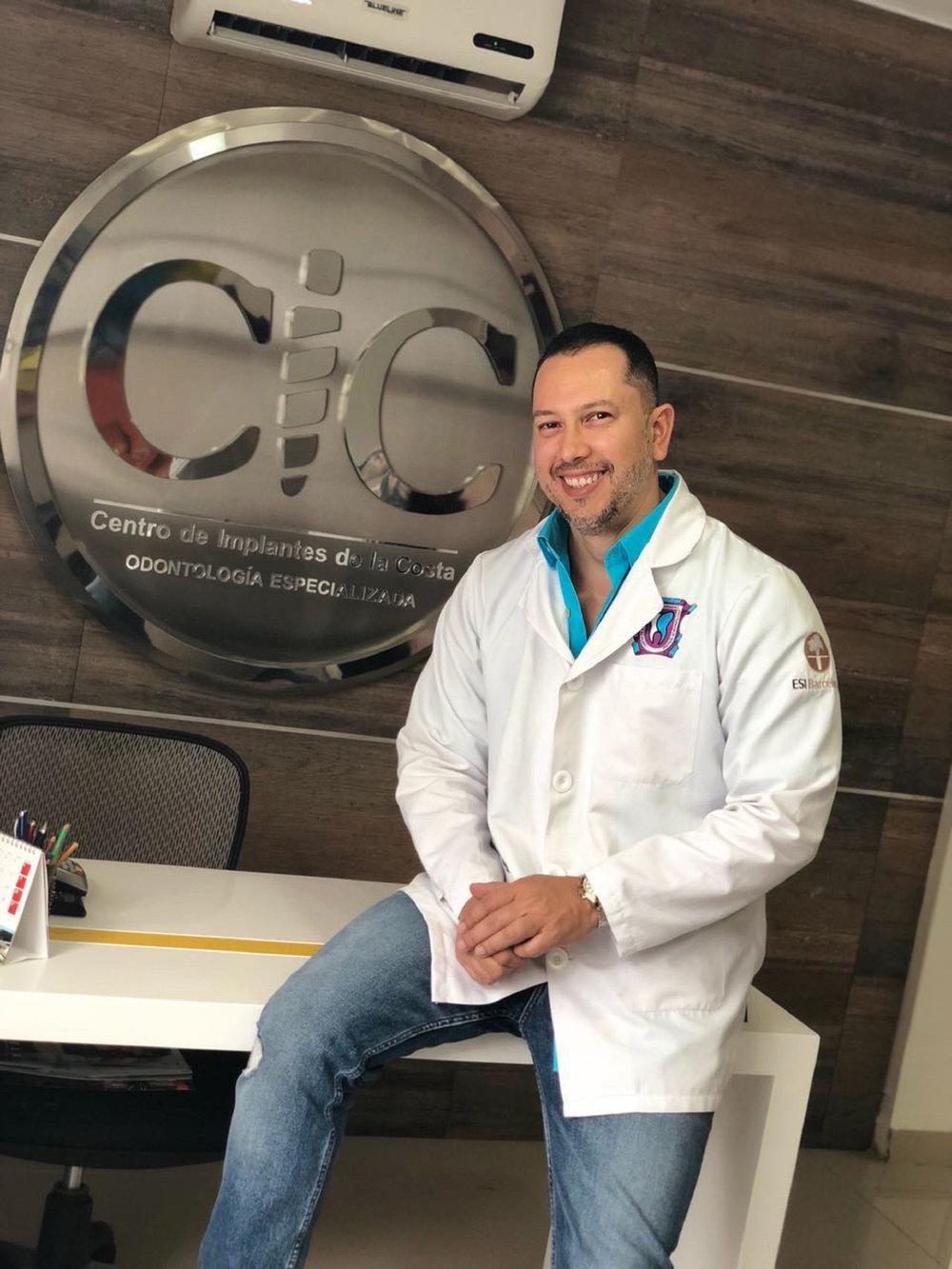 Dr. Julio Oliver - Dental Tourism Colombia