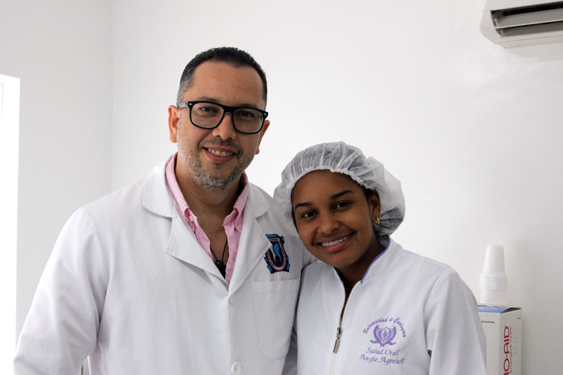 Dr.-Julio-Oliver-(Cosmetic-Dentist)-and-Angie---Dental-Tourism-Colombia-(Cartagena).jpg