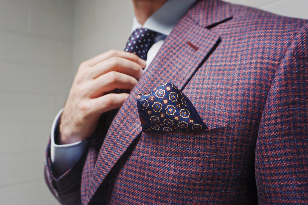 The Puff Fold  – A simple fold that can business or casual and looks great with cotton, linen or silk squares.