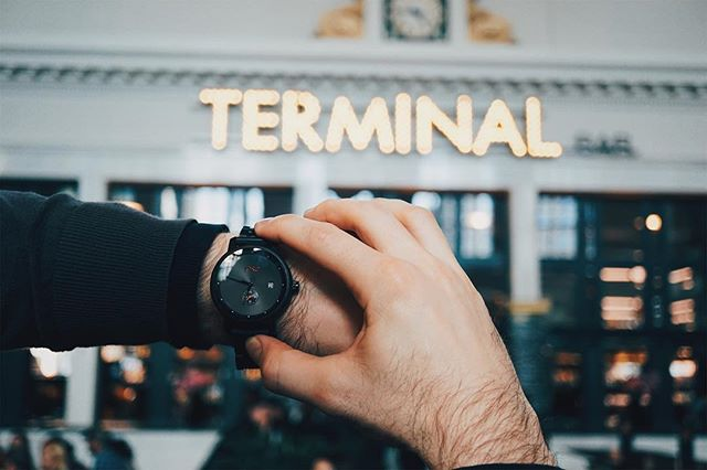 Forget about the time change? ------------------------------ Don't forget about $100 off this watch or others from @jordwatches by signing up on our page! (Link in bio) 👌🏻 ------------------------------- Est: @denverunionstation  Photo Credit: @yadiakatherine  #DenverBlogger #VisitDenver #WatchGame #MensWatches #GentlemansGuide