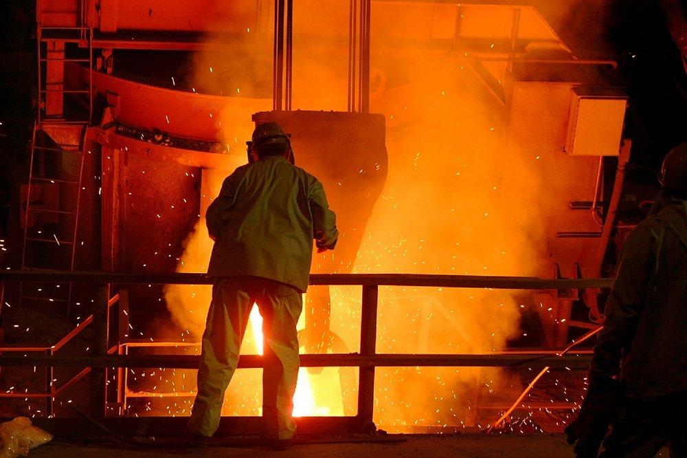 steel-mill-616526_1280.jpg