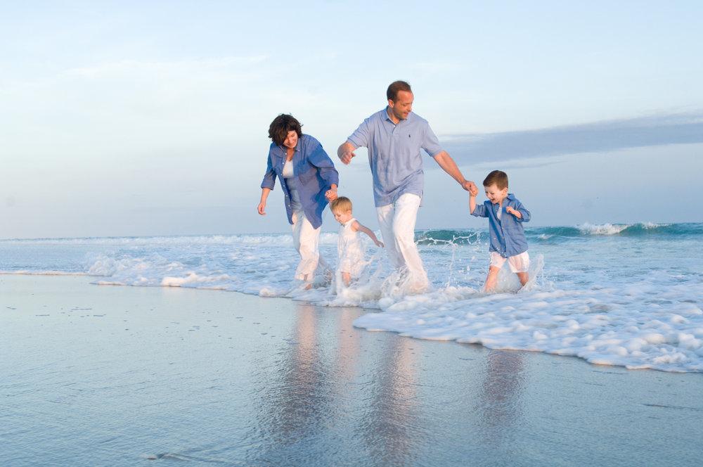 Family photoshoot at Robert Moses beach