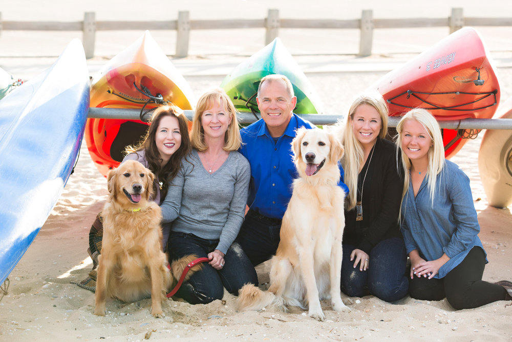 family-shoot-dogs-beach-Crab-Meadow- Northport.jpg