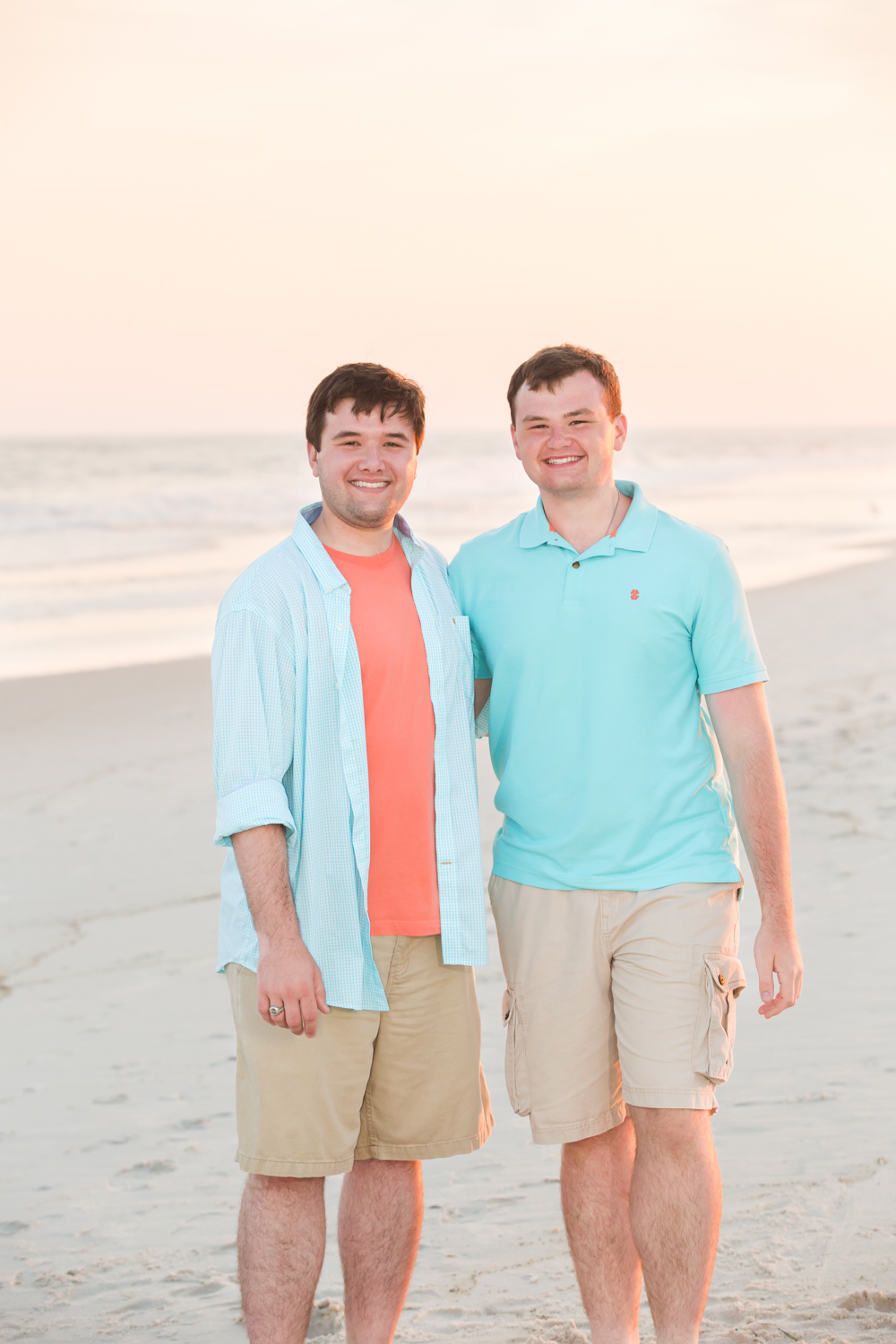 Siblings-Family-photographer-Long-Island-Beach.jpg