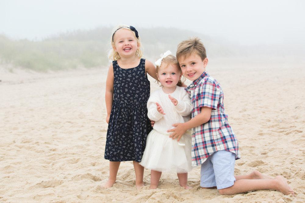 child-portrait-photographer-monatuk-ny-beach.jpg