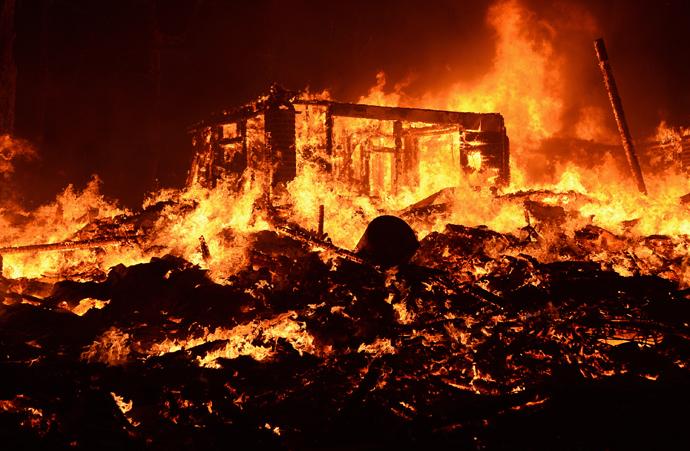 WildfireAngelesNationalForest.jpg