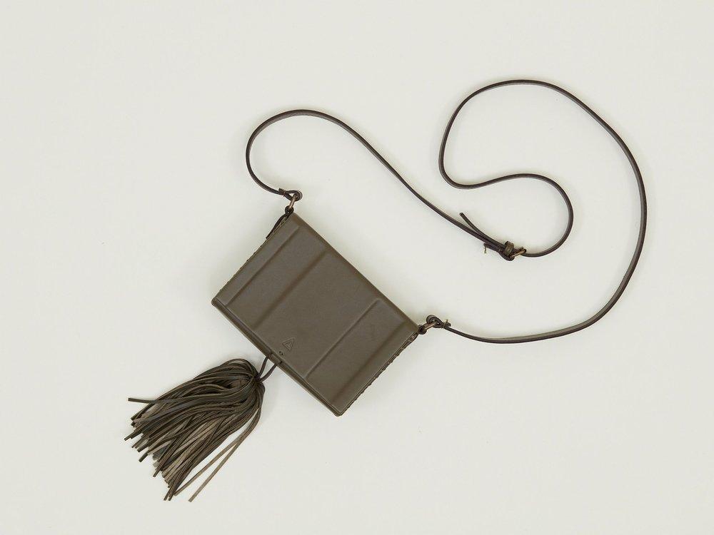 zeus-+-dione-handbag-olive-012-5a15ae2d4e8bc.jpg