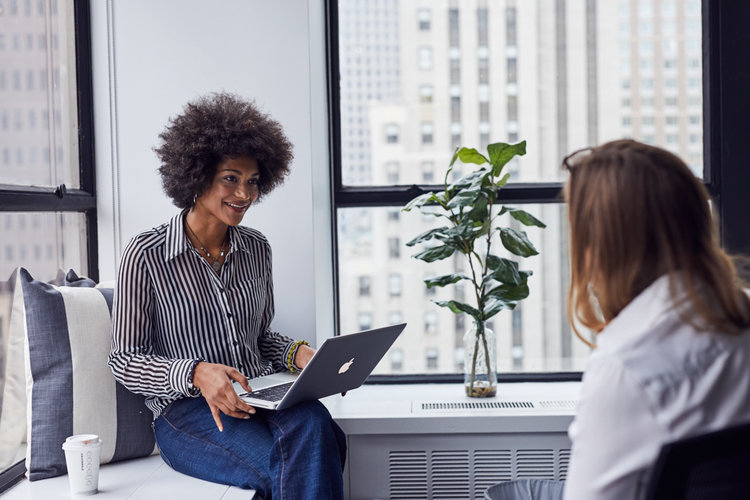 Women discussing the Best Entrepreneur Books