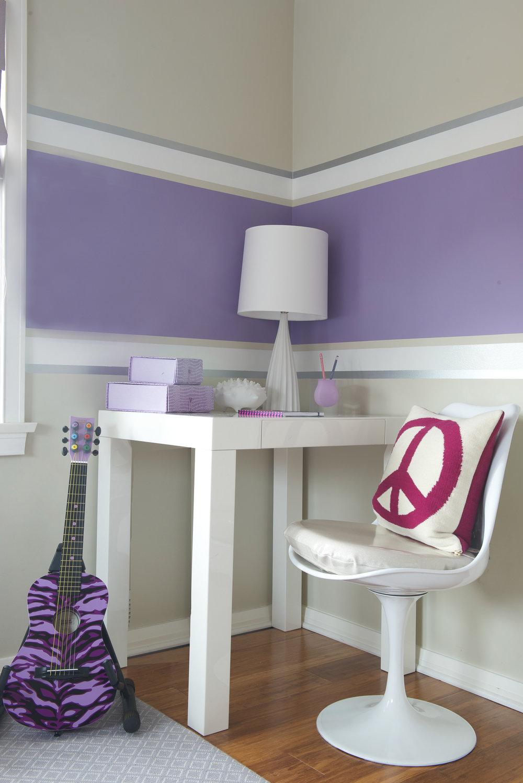 GIRL'S BEDROOM - DESK AREA