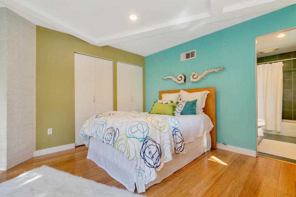 40 Acacia Dr Orinda CA 94563-large-043-19-EnSuite Bedroom 3-1500x1000-72dpi.jpg