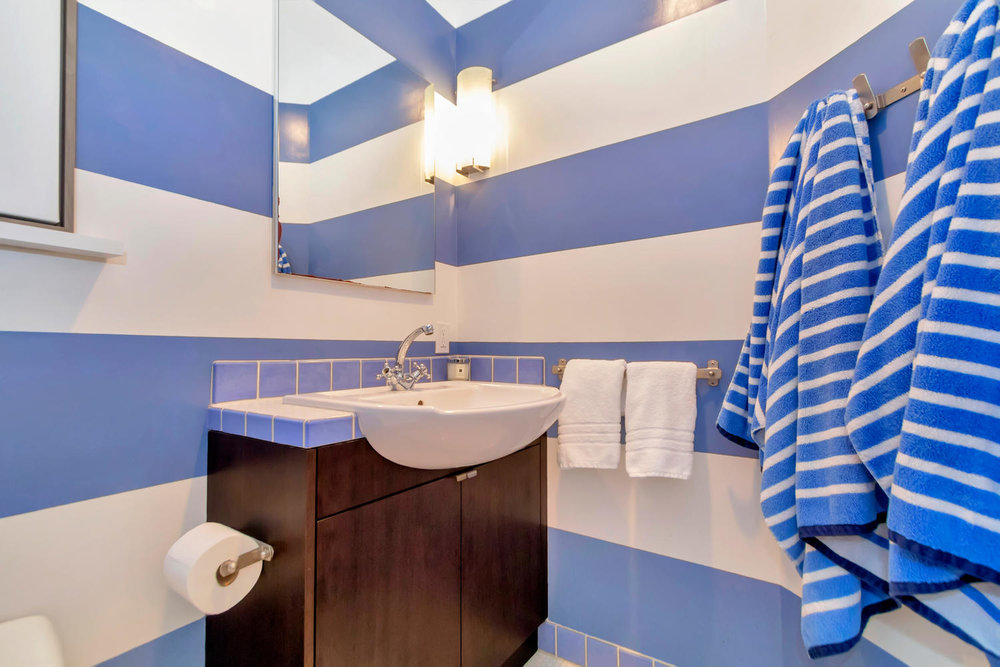 40 Acacia Dr Orinda CA 94563-large-038-24-Guest Full Bath-1500x1000-72dpi.jpg