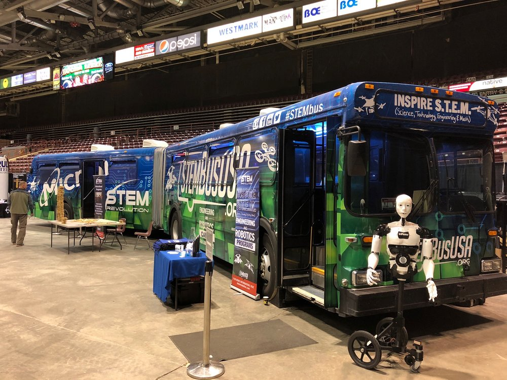 STEMbus at Manufacturing Day