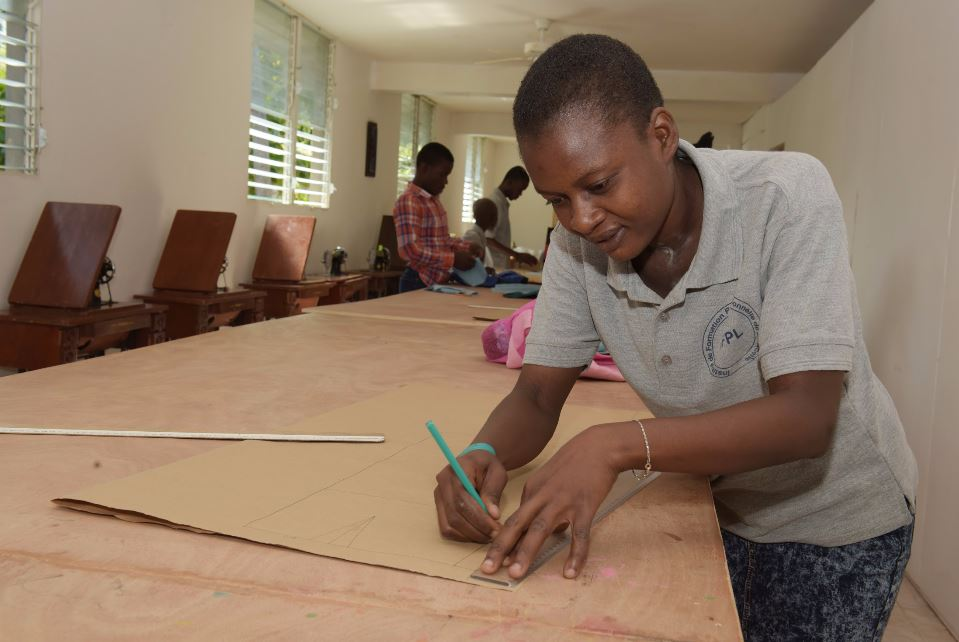 Progrès   Grâce à des projets durables    Apprendre encore plus