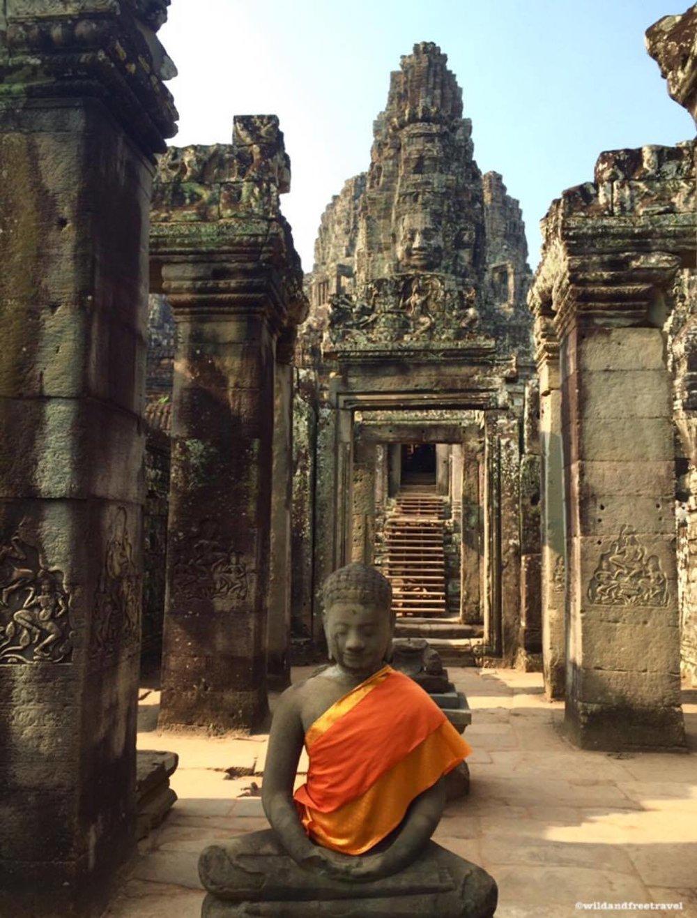 Buddha Angkor Wat Temple