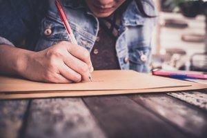 SFO+Woman+Writing.jpg