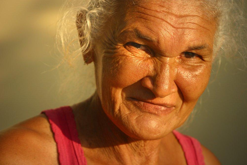 adult-elderly-face-638196.jpg