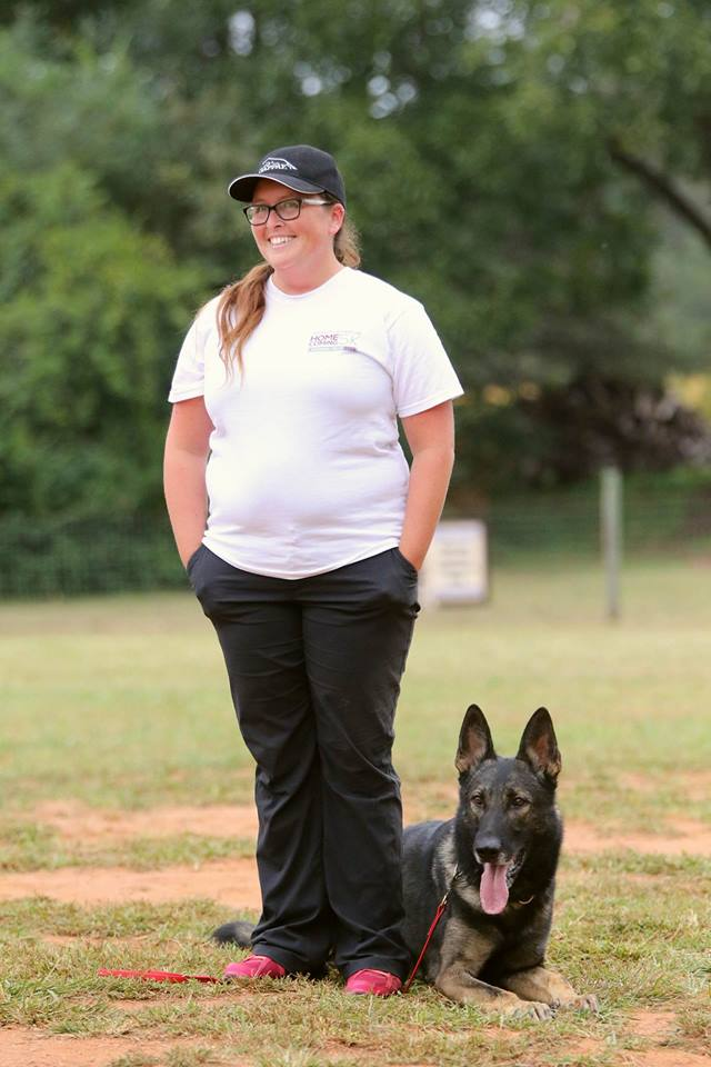 "JoBeth and her dog V Ix von Edgecombe KKL IPO1 AD GDT DHT ""Enzo"""