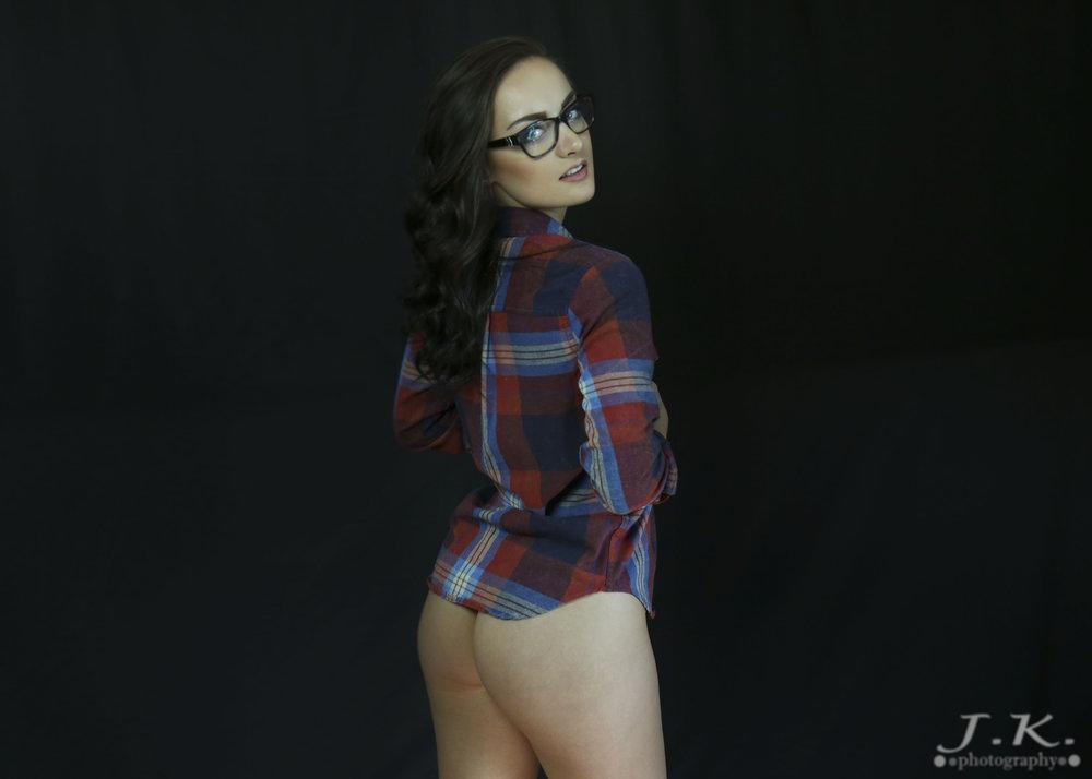 Maddi_Looking_Back_No_Panties.jpg