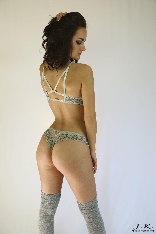 Maddi_Looking_Back_Sideways_Gray.jpg