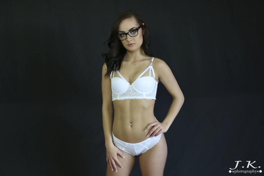Maddi_White_Outfit_Black_Backdrop2.jpg