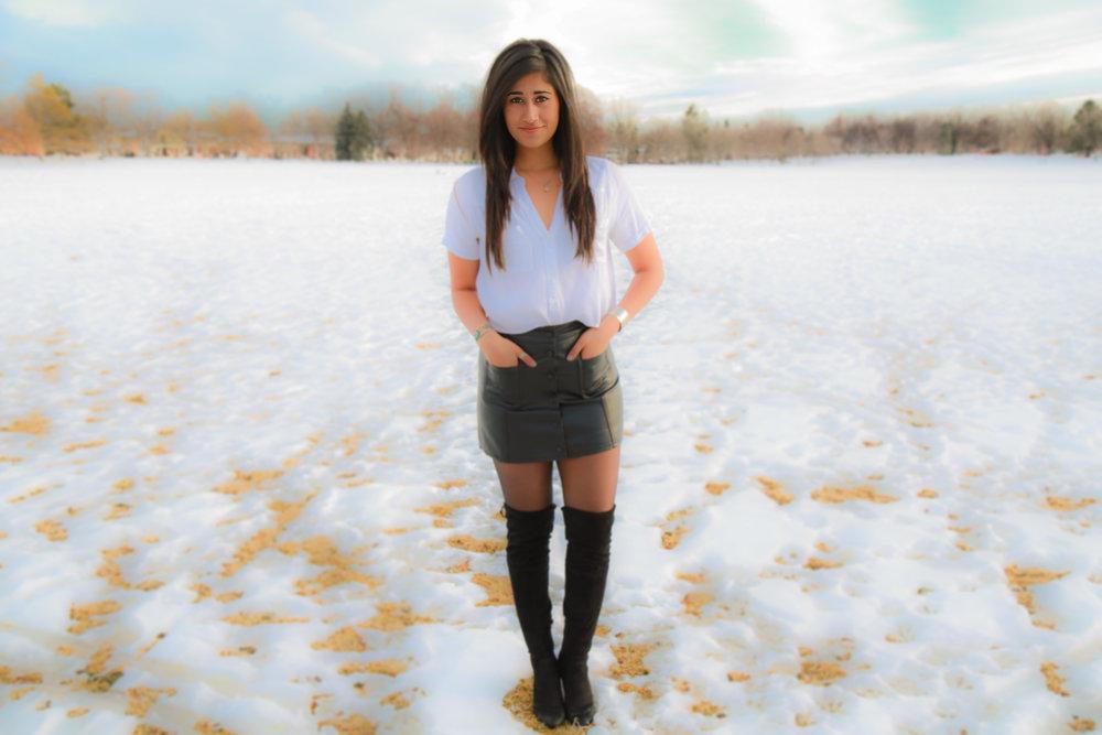 Aish_In_Snow_Field.jpg