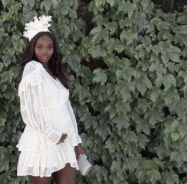 Gorgeous mama 💚 | 📸 by @chekohbaby . . . . . #pregnant #bump #babybump #thirdtrimester #midwife #melbourne #maternalinstinctsbyamberley