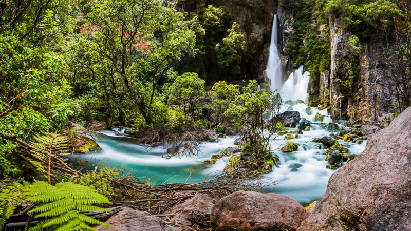 panorama-tarawera-falls-waterfall-new-zealand-north-island-travel-highlights-must-see-amalia-bastos-taupo.jpg