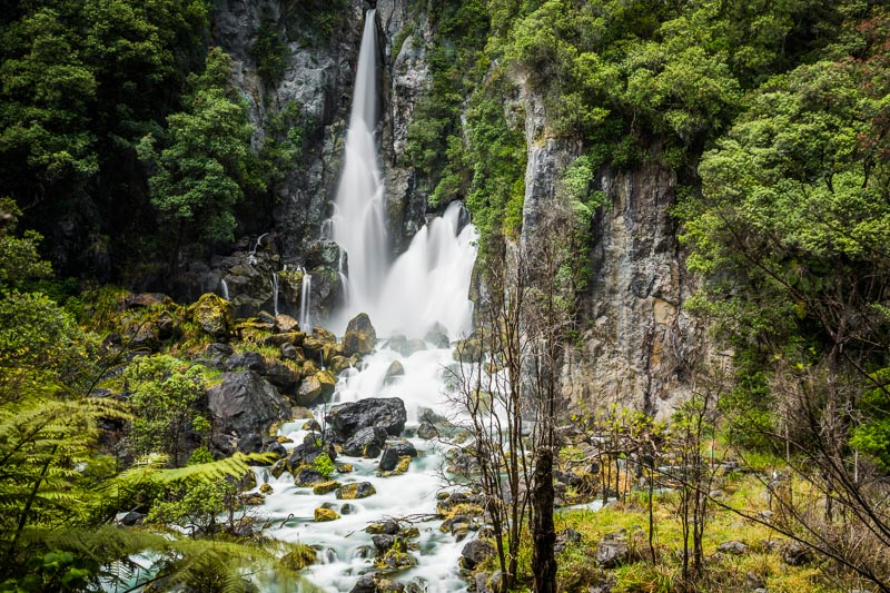 tarawera-falls-new-zealand-rotorua-taupo-north-island-roadtrip-amalia-bastos-photography-landscape-travel.jpg