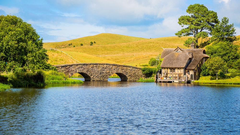 bridge-hobbiton-new-zealand-lord-of-the-rings-movie-film-set-amalia-bastos-photography-landscape.jpg