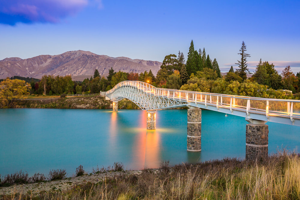 bridge-new-zealand-south-island-lake-tekapo-evening-sunset-light-amalia-bastos-landscape-photographer.jpg