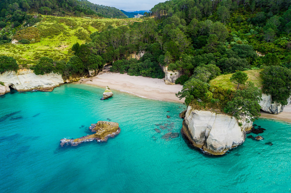 cathedral-cove-new-zealand-coromandel-amalia-bastos-drone-photography-travel-tourism-photographer-landscape.jpg