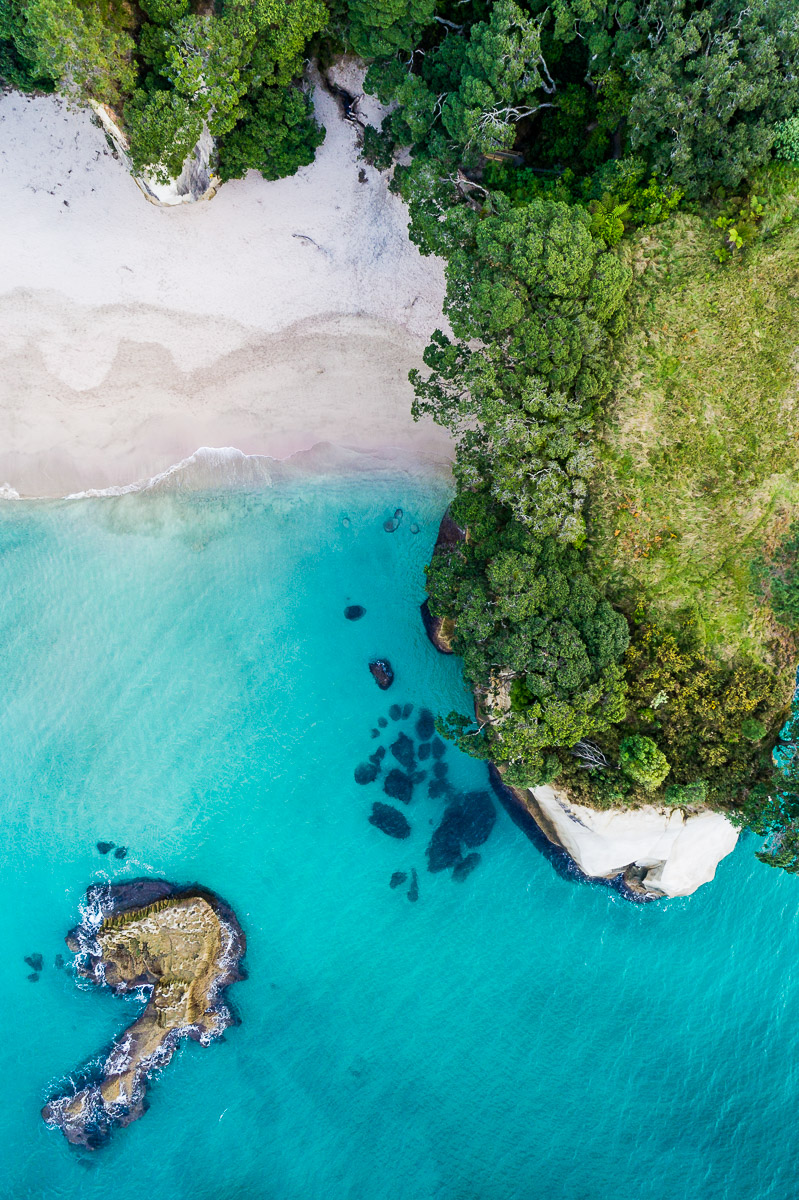 new-zealand-north-island-cathedral-cove-amalia-bastos-travel-photography-aerial-drone-dji-phantom-4-coromandel.jpg