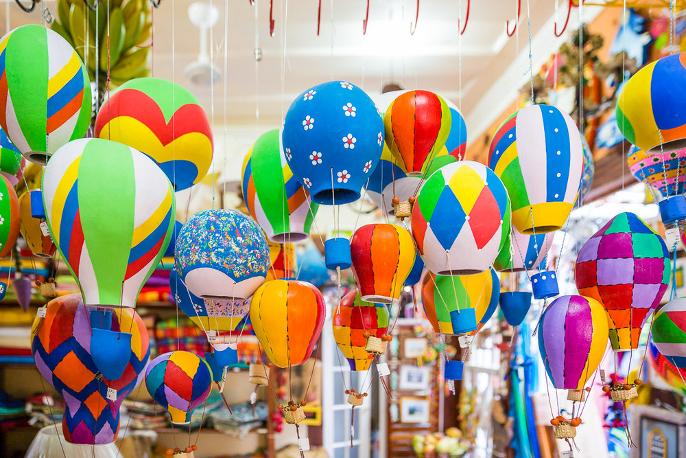 colourful-artesan-craft-crafts-balloon-hot-air-paraty-porcelain-souvenir-tourist-tourism-brasil-brazil.jpg