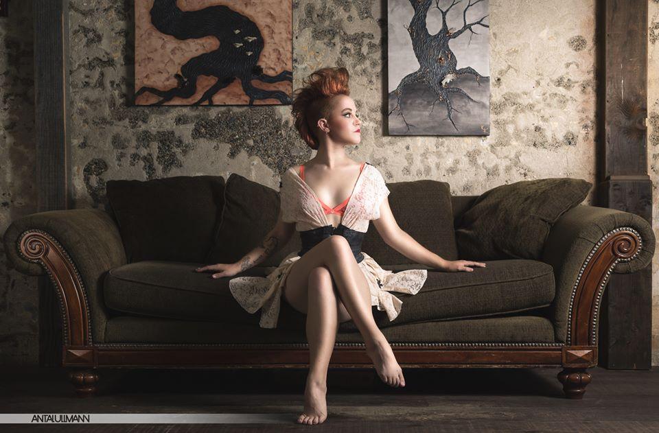 lace robe.jpg