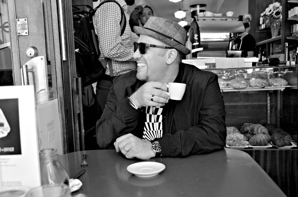 01_Robi Botos_Publicity Photo_Coffee Shot.jpg